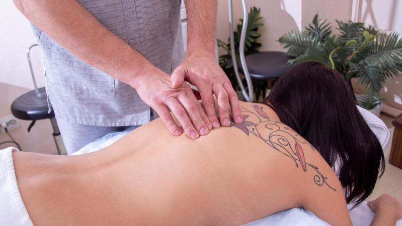 массаж спины фото