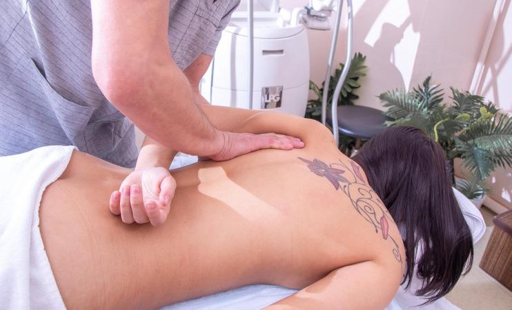 массаж спины картинка
